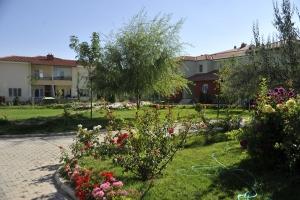 dündar termal villa otel bahçe